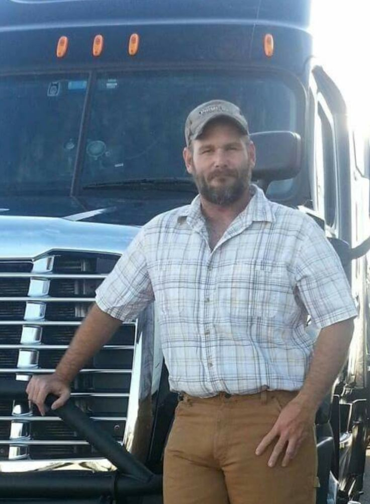 Hot Trucker | Truckers in 2019 | Scruffy men, Big trucks ...