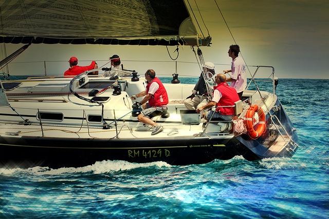Barca Indigo  by Nicola Muscatiello, via Flickr