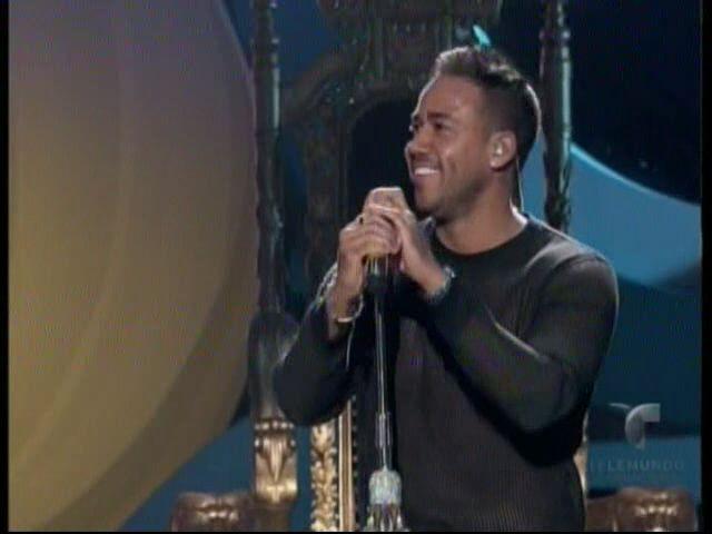 Presentación De Romeo Santos En Premios Billboards2015 #Video