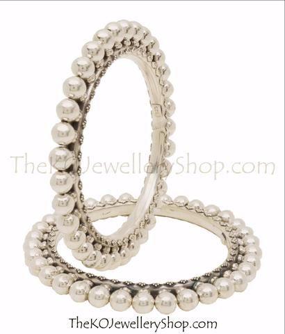 #antiquesilverjewellery #lightweightsilverbracelets #women'ssilverbracelets