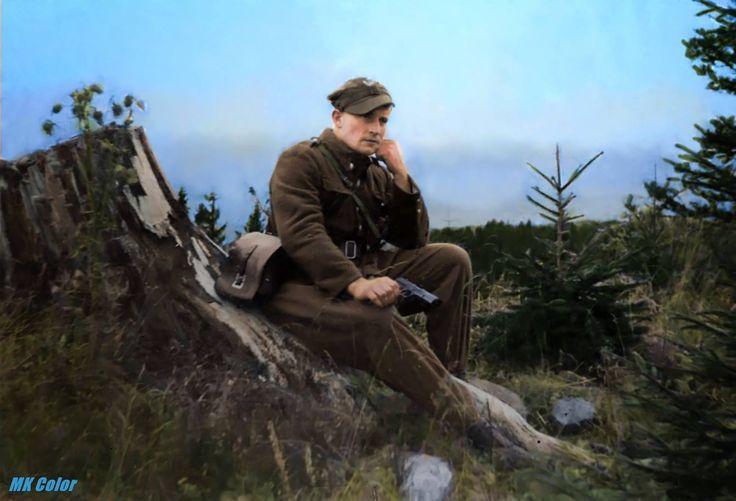 """Józef Kuraś """"Ogień"""", (ur. 23 października 1915 zm. 22 lutego 1947 ) – żołnierz Wojska Polskiego i Armii Krajowej, major Batalionów Chłopskich i UB, partyzant na Podhalu w czasie II wojny światowej, jeden z najważniejszych dowódców podziemia niepodległościowego"""
