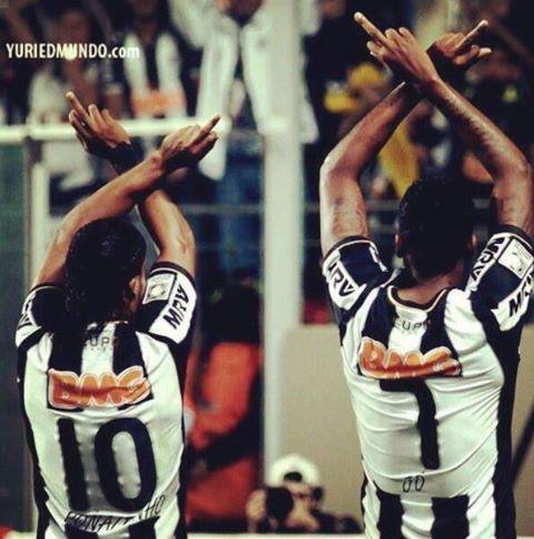 GALO Ronaldinho e Jô