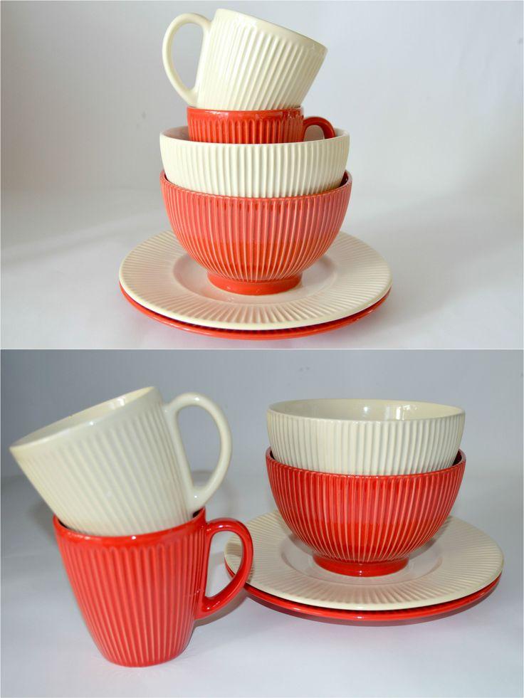 SCARLET -красный + BAKET MILK -белый топленый - два модных цвета, которые отлично компонуются между собой и располагают к созданию собственных коллекций. Эти эргономичные и симпатичные наборыдля завтрака, несомненно,  поднимут ваше настроение и украсят домашний интерьер.