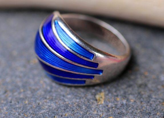 David-Andersen. Ring i sterling sølv og emalje. Vintagedesign Erik Blom