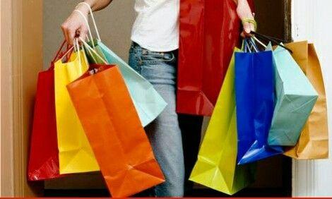 Social occupations, shoppen met vriendinnen. Sociale interacties per personen