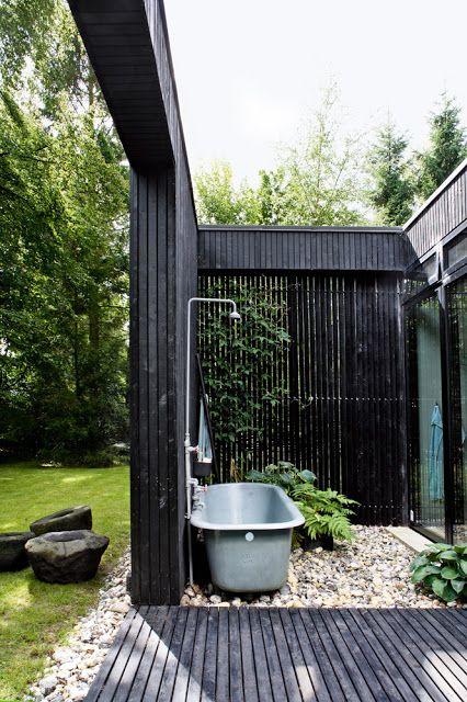 my scandinavian home: Showering alfresco