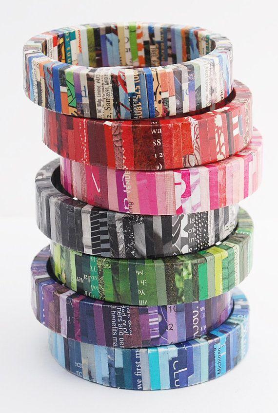 Armbanden gemaakt van oude tijdschriften