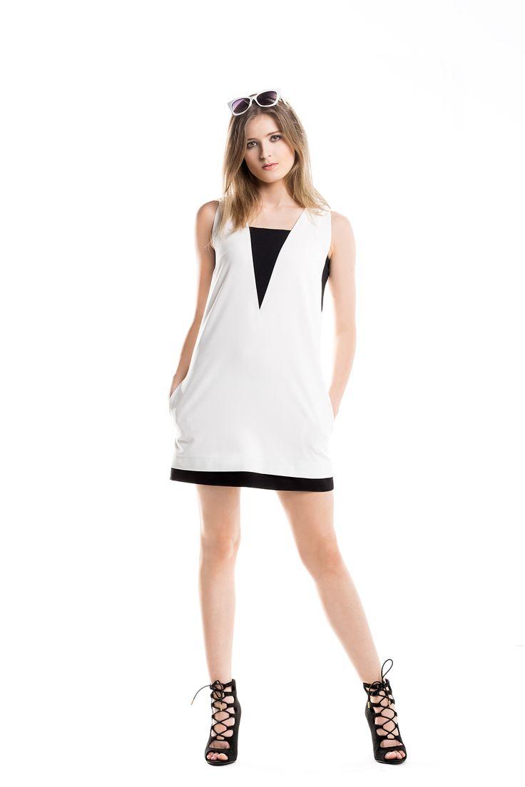 Monochromatyczna mini na lato. Monochrome color summer dress.