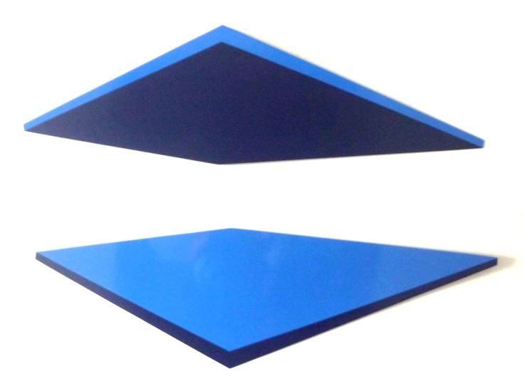 Emma Kure, Reflejo en azul, 2012, 100 x 70 cm