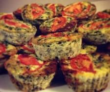 THERMOMIX - HIGH PROTEIN MUFFIN QUICHES 2 clove garlic, peeled, 1 Small brown onion, peeled, halved 1 Cup Mushrooms 150 g bacon 1 tablespoon olive oil 8 eggs 240 g frozen spinach, defrosted on paper towel and liquid squeezed out 500 g cottage cheese 1 tsp salt 1 tsp mixed Italian herbs