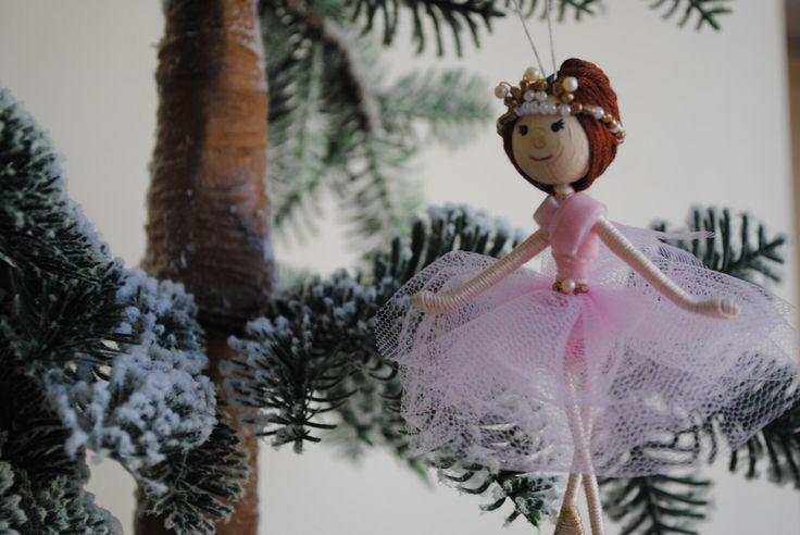 Sugar Plum Fairy, Notenkraker-Ballet, opknoping kerst ornament, draad pop bruin haar door OnASummerday op Etsy https://www.etsy.com/nl/listing/484462691/sugar-plum-fairy-notenkraker-ballet