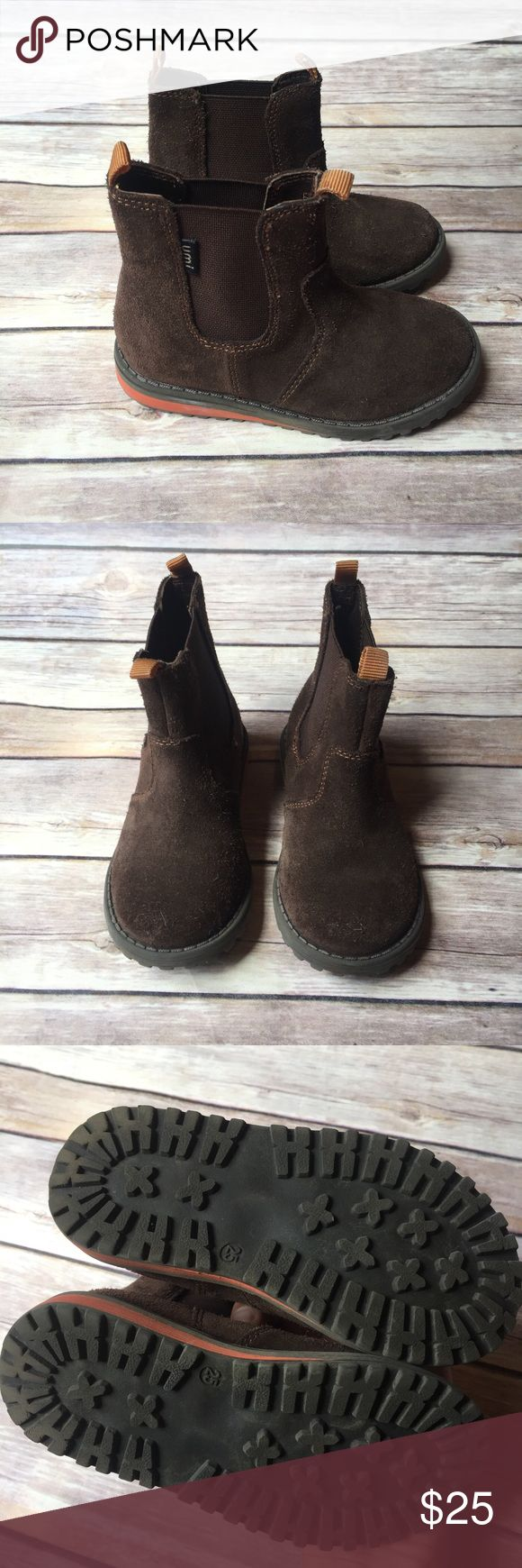 Toddler Umi Boots Size 25 (US size 8.5 toddler) Umi suede dark brown boots in good used condition.  Soles look new.  Minor wear to the suede.  Easy pull on boots with stretchy sides. Umi Shoes Boots