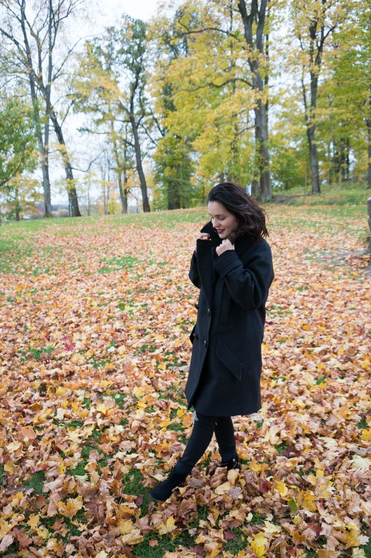 Isabel Marant pour H&M coat and &OtherStories boots for a nice autumn walk. For more Scandinavian style check out my blog: http://www.sofiaway.com/