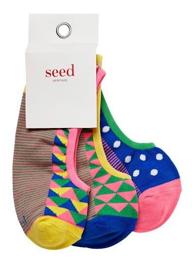 Girls 3-pack no show socks. A mix of bright geo patterns. Cotton/nylon/elastane.
