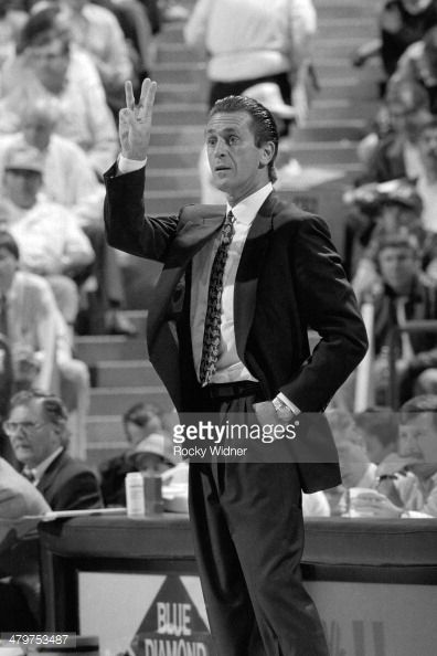 Fotografia de notícias : Pat Riley, head coach of the Los Angeles Lakers...