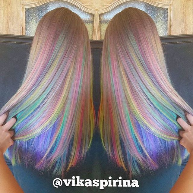 Somewhere over the rainbow… Love these soft streaks of unicorn colors by @vikaspirina