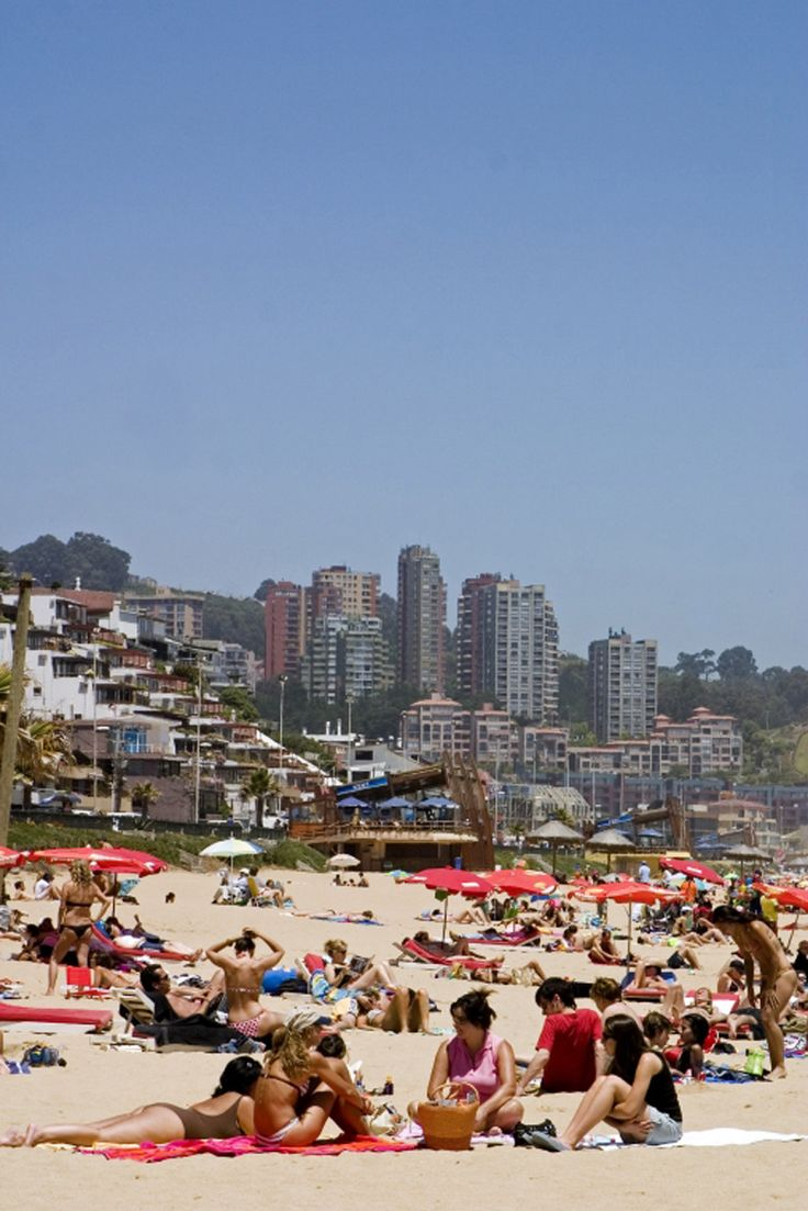 Viña del Mar by First Premium Travel, Always the best of Chile. #puerto #port #mar #sea #patrimonio #heritage #ascensores #elevator #playa #beach