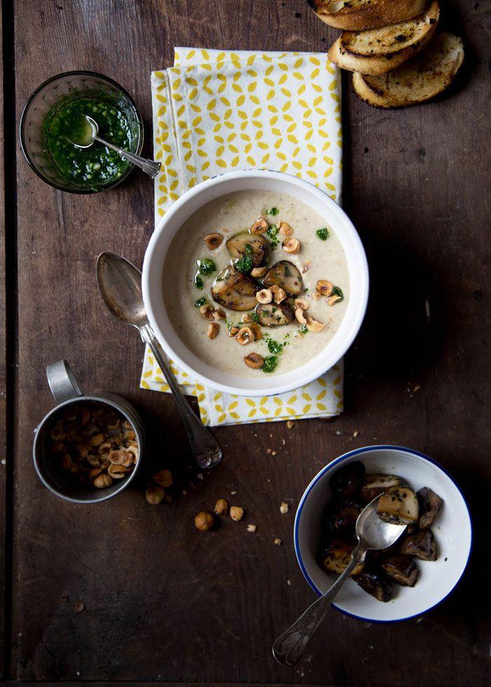 Zuppa di nocciole e funghi
