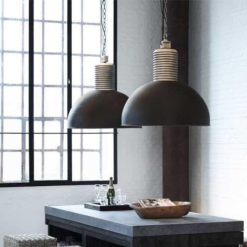 Design afzuiglamp Arezzo van Jacob Interior. Een unieke manier van keukenventilatie. Deze afzuiglamp heeft een hoog rendement en heeft een stoer landelijk uiterlijk. Functioneel en hoog van kwaliteit....