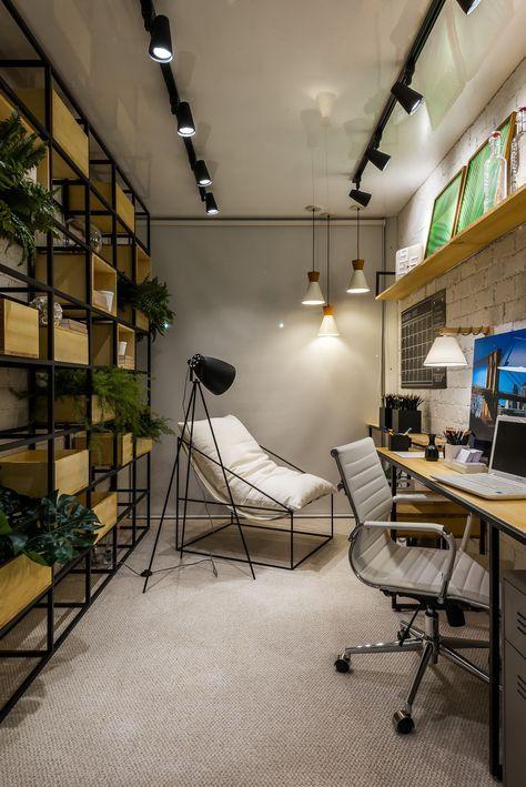 Escritório Moderno com Nichos com Plantas