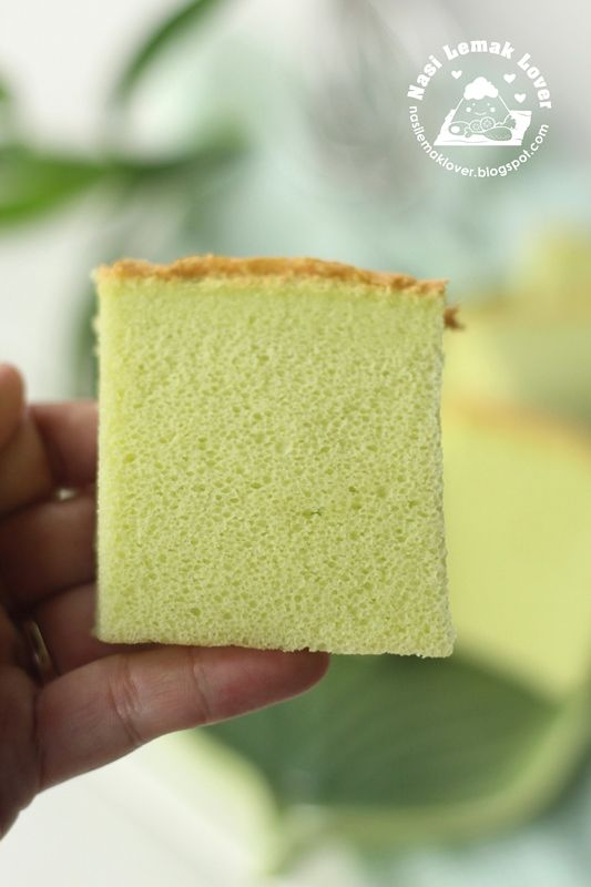 It has been such a long time i didn't bake a Ogura cake ( similar to chiffon cake but with extra 1 whole egg). I was failed to bake thi...