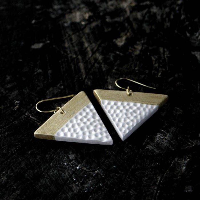 Triangle earrings - white and gold by Brekszer on Etsy