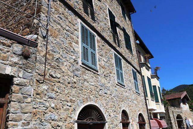Apricale (IM) - Piazza Vittorio Veneto