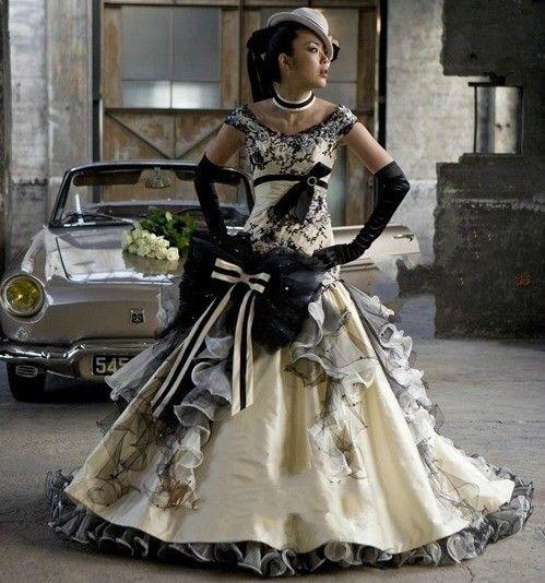 17 meilleures id es propos de robes de mariage gothique for Fournisseurs de robe de mariage en gros