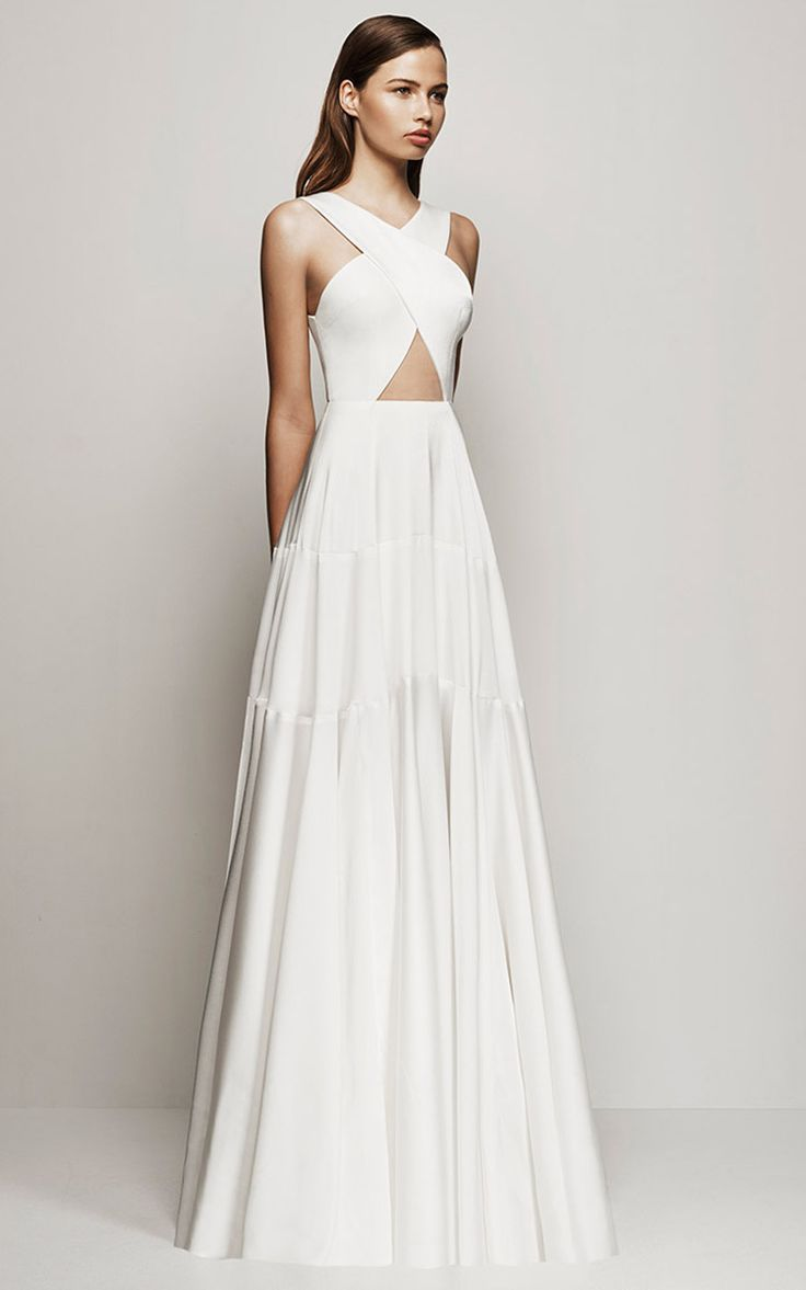 Best 25  White Gowns ideas on Pinterest | White gown dress, Simple ...