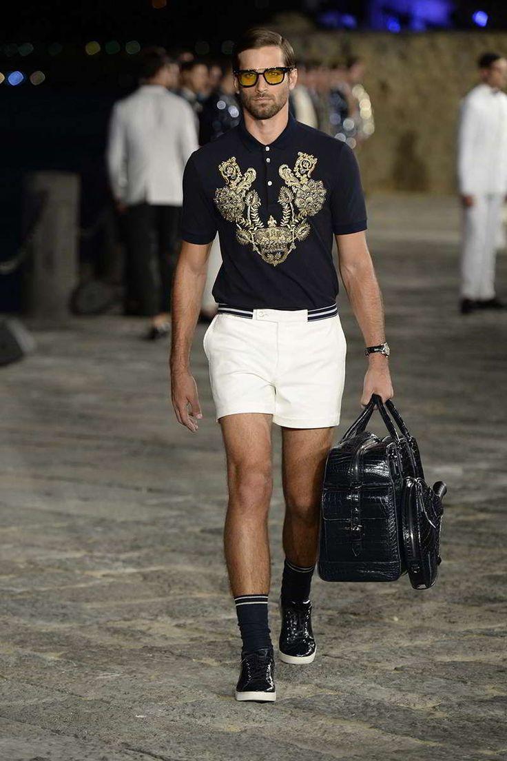 una cita nocturna en Italia es, a todas luces, un momento mágico. Semanas atrás Domenico Dolce y Stefano Gabbana presentaron su colecció...
