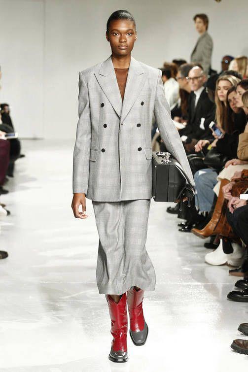 Muotisuunnittelijat ottivat kantaa New Yorkin muotiviikoilla: Menikö jo mauttomaksi?