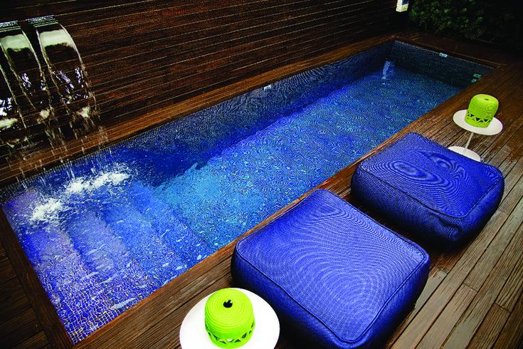 piscina azul escuro - Google Search