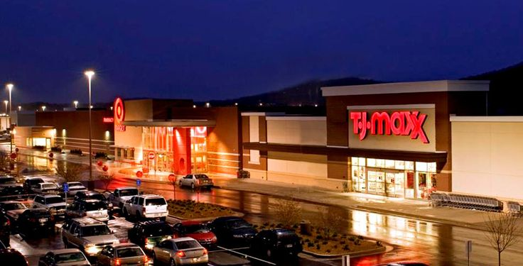 We're just minutes from The Oxford Exchange shopping center! Daily errands are easy thanks to our convenient location.