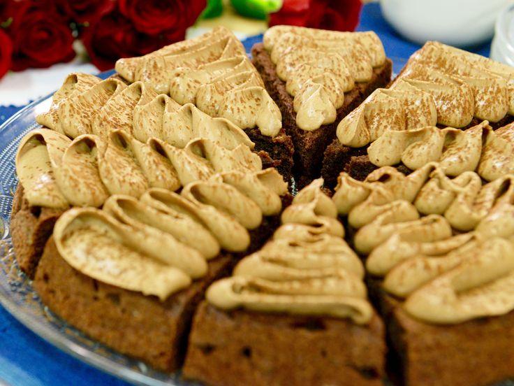 Kryddig chokladkaka med apelsin och mjölkchoklad | Recept.nu