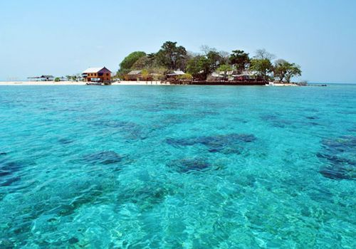 Salamona Island Makassar #wonderful #indonesia #travel #holiday #makassar #samalona #sea #beach