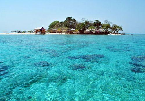 Salamona Island Makassar #wonderful #indonesia #travel #holiday #makassar #samalona #sea #beach