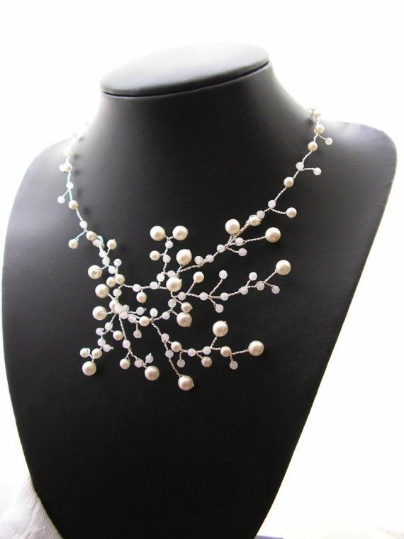 pearl necklace...so pretty! i'd like to wear this with a white collared shirt and jeans..and a fabulous pair of shoes and bag. @Dana Crain