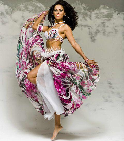 Nashyra Bauchtanz jumping colors | Bellydance Vogue