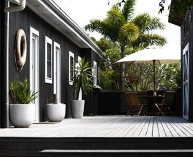 Atlantic Guesthouses,Byron Bay, NSW, Australia. Byron Bay holiday accommodation, NSW holiday accommodation offered by www.ozehols.com.au
