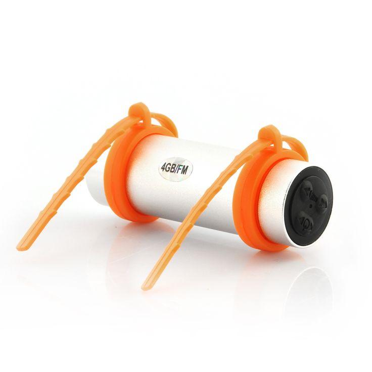 MP3 Player subacvatic (waterproof) cu 4Gb de memorie si radio FM.  Datorita faptului ca rezista la apa, spre deosebire de alte mp3 playere existente pe piata, cu acesta poti inota la piscina sau poti face scuba.  Se poate fixa la ochelarii de inot sau daca acestia sunt prea finuti, poate fi prin de brat. Are o curelusa din silicon pentru acest lucru.  http://www.gadgetworld.ro/mp3-player-subacvatic-4-gb-si-radio-fm.html