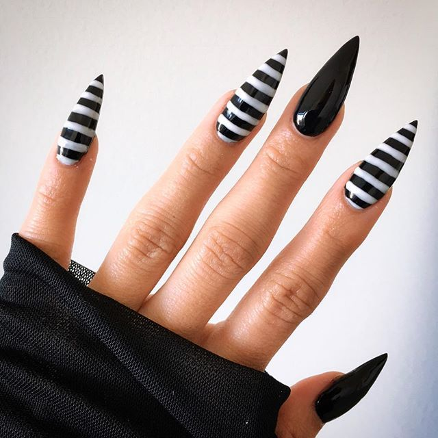 WEBSTA @ sokolum - Eyeball poppers are back in action! Time to get used to poking holes on my clothes again! Thank you @beautybylonna!..#acrylicnails #stilettonails #gothnails #beetlejuicenails #gothicnails #oaklandnails #oaklandnailtech #bayareanails #bayareanailtech