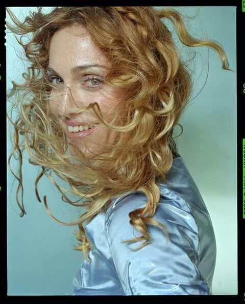61f6c7e324 Pin by Miriam McGovern on Cool! | Madonna, Madonna music, Madonna ray of  light