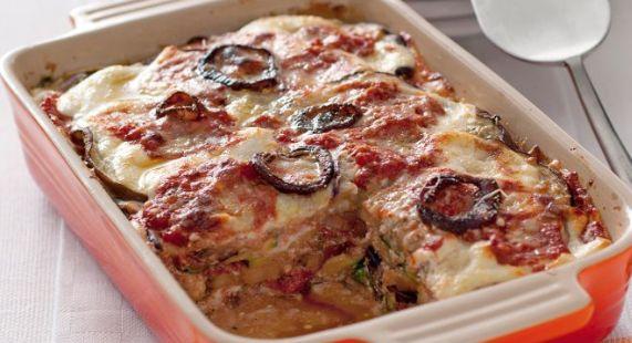 Da non perdere la ricetta per fare le lasagne vegetariane senza pasta ma con melanzane, zucchine, cipolla e ricotta