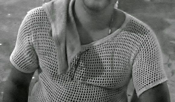 Camiseta de crochê masculina