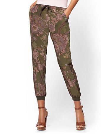Shop Slim Jogger Pant - Floral. Find your perfect size online at the best price at New York & Company.