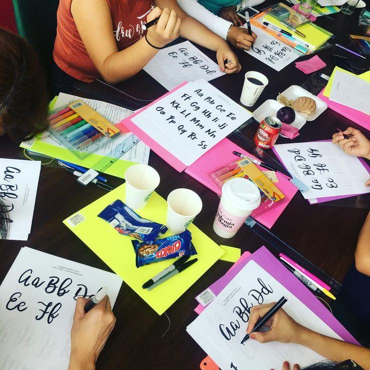Aprendiendo caligrafía con @bicmarking 🙆🏻✨💖 #bulletjournal #caligrafia #organización #diseño #ideas #empoweringwomen #empoderamiento