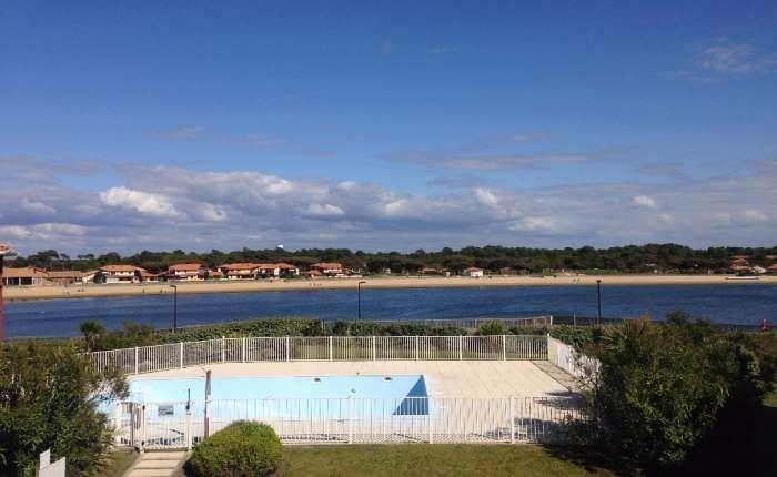 A VENDRE - APPARTEMENT 2 PIECES  Belle vue lac à 300 mètres des plages océanes