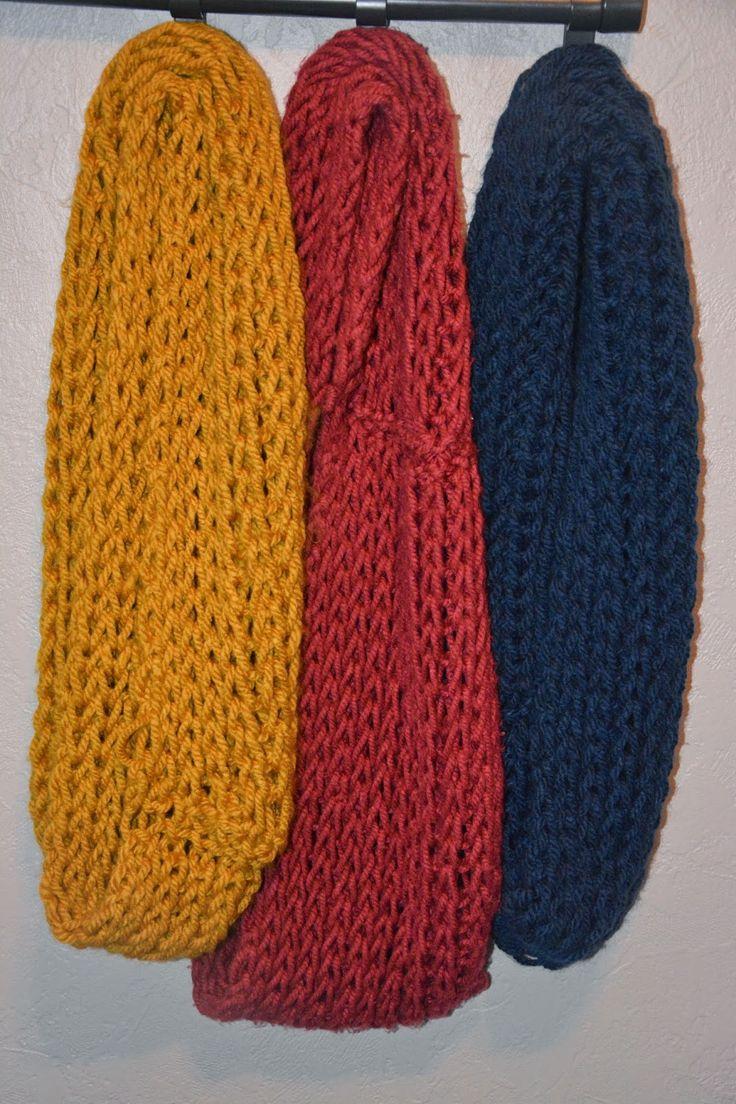 Zoals beloofd geef ik jullie hieronder de werkwijze mee om deze sjaal te breien. Ideaal voor iemand die start met breien.                   ...