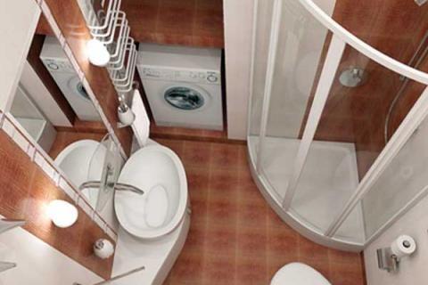 Вид сверху  маленькой ванной с душем и стиральной машиной