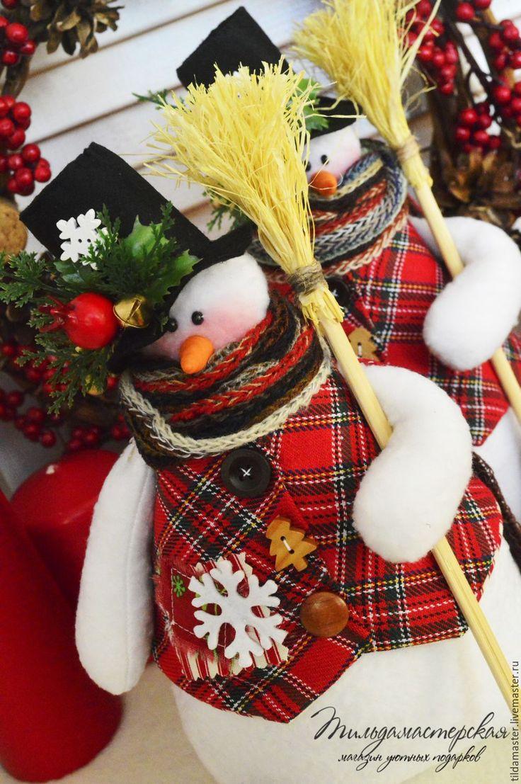 Купить Снеговики с метлами , снеговичок , снеговик - белый, снеговик, нос морковка, подарок на новый год